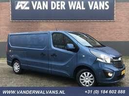 closed lcv Opel Vivaro 1.6CDTI 126pk L2H1 Sport Airco, navigatie, camera, trekhaak, 3 zits 2017