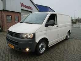 véhicule utilitaire léger fermé Volkswagen Transporter T5 2.0TDI Klima Hund Tempomat €6750