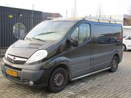 closed lcv Opel Vivaro 2.5 CDTI L1H1 2009