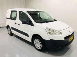 samochód dostawczy zamknięty Peugeot partner 1.6 HDI L1 XT Airco Schuifdeur 2012