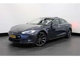 samochód typu hatchback Tesla Model S 85 368 PK | AUTOPILOT | PANO-DAK | 21'' TURBINE | € 38.950... 2015