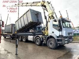 camião de contentores Iveco TRAKKER AD410T45 - 8x4 HAAKSYSTEEM + KRAAN HMF ODIN K8 56Tm - MANUAL ZF ... 2008