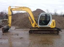 escavatore cingolato New Holland E80-1ES 2008