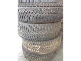 Sada pneumatik díl pro nákladní vozidla Pirelli pirelli 205/55r16 winter