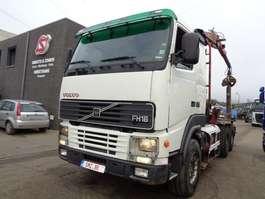 caminhão guindaste Volvo FH 16 520 2001