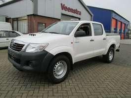 coche particular todoterreno 4 x 4 Toyota Hilux 2.5 D-4D 4x4 Doka Klima Netto €12450,=