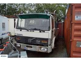 camion grue Volvo FL611 4x2 Crane truck. Rep. object 1986
