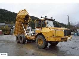 camión volquete de rueda Moxy 5222B 6x6 Dumps on white signs 1993