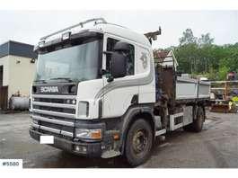 camion grue Scania 94G 4x2 Kranbil med 3-veis tipp og HMF 1060 K3 kra 1998