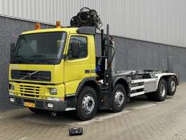 container truck Volvo FM8X2 KRAAN / HAAK / REMOTE CONTROL / MANUAL / AIRCO 340PK 2002