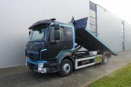 container truck Volvo FL250 4X2 HOOK LIFT JOAB S8 EURO 6 2014