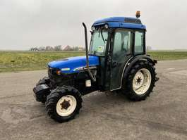 trattore agricolo New Holland TN75N 2004