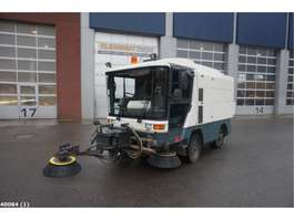 Road sweeper truck Ravo 530 with 3-rd brush 2005