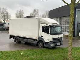 camión de caja cerrada Mercedes Benz Atego 916 2013