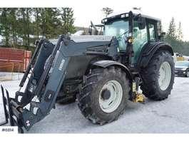 Landwirtschaftlicher Traktor Valtra T131 w / Quicke Q55, underlying blade & extra wint 2010