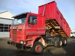 camion à benne basculante Scania 113-380 6X4 1996