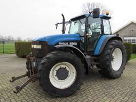 trattore agricolo New Holland 8560 2000