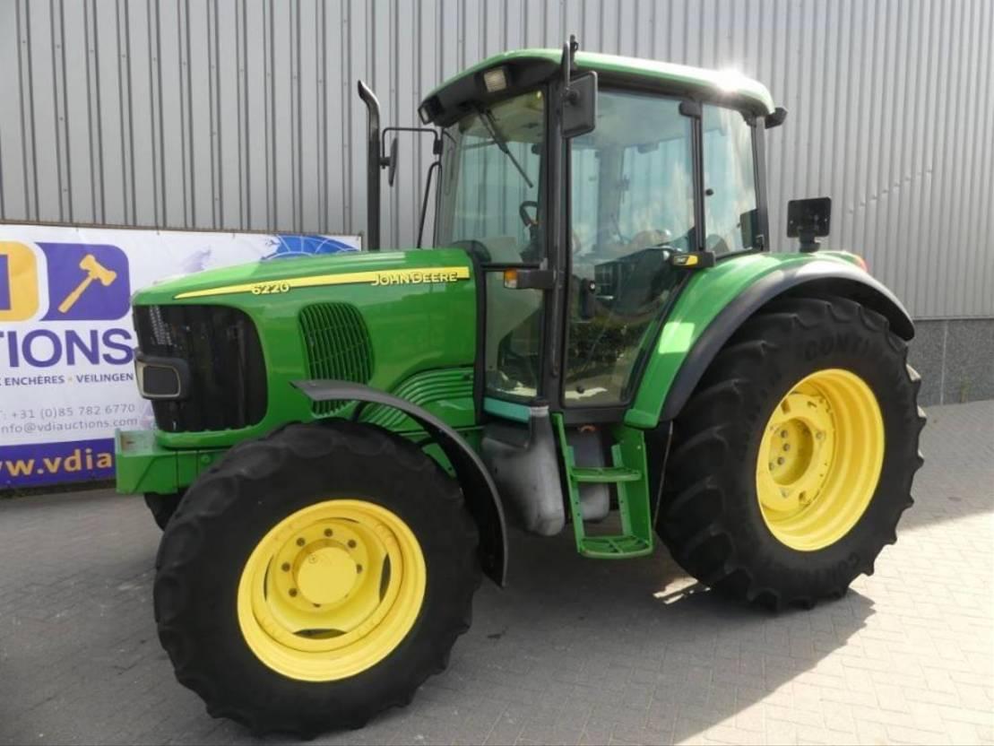 farm tractor John Deere 6220 SE 2005