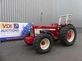 farm tractor International 1046