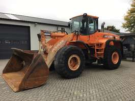 wheel loader Doosan DL400 2006