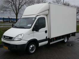 closed box lcv < 7.5 t Iveco DAILY 35 C 13 laadklep 2009