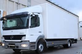 camión de caja cerrada > 7.5 t Mercedes Benz Atego 1024 Kleider Textil Euro5 LBW 2009