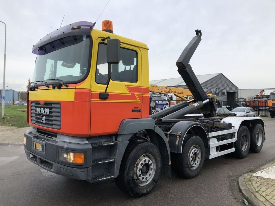container truck MAN 35 414. 8 x 4 2001