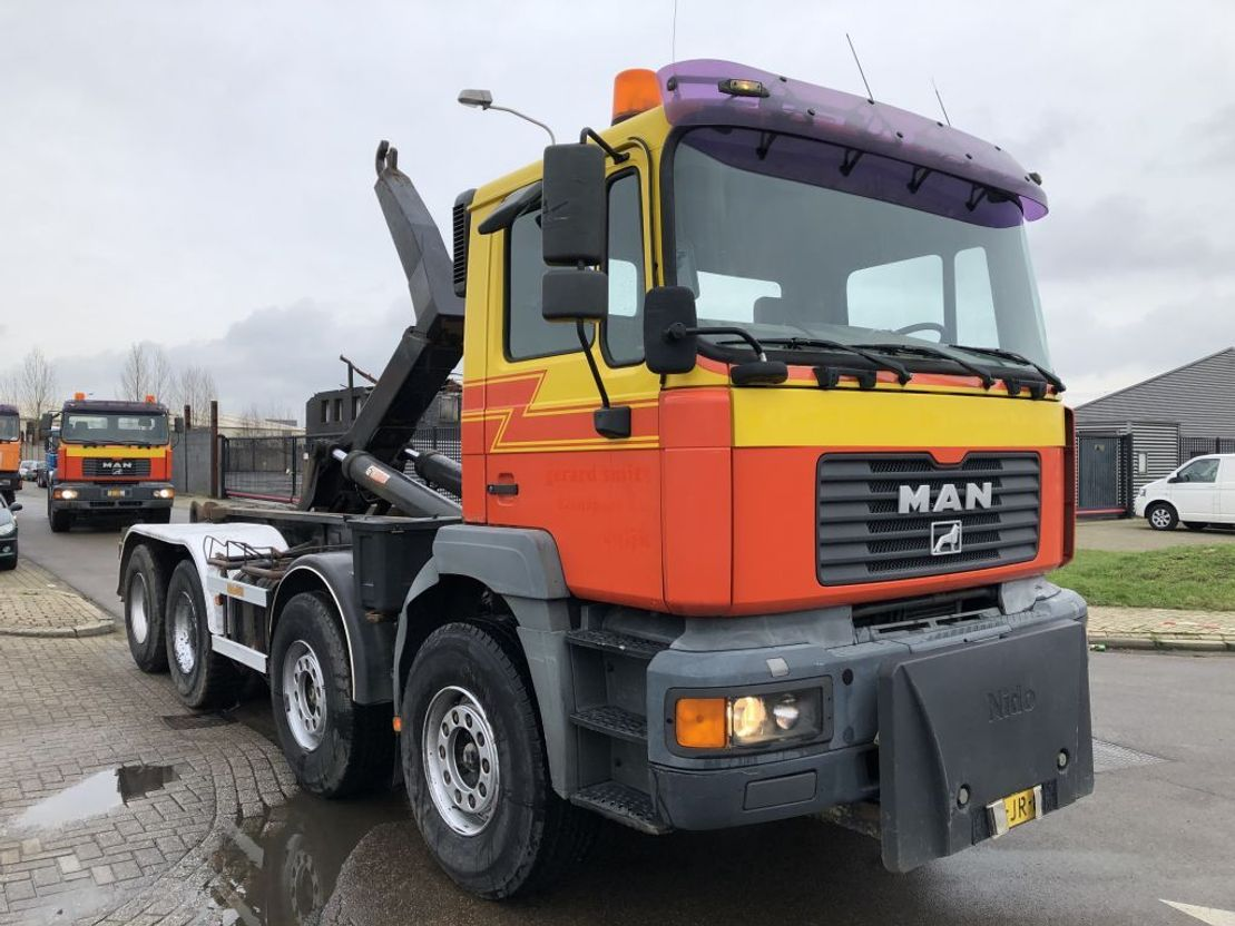 container truck MAN 35 414. 8 x 4 2002