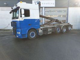 container truck DAF FAK XF105 haakarmsysteem 8x2 2011
