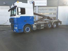 container truck DAF FAK XF105 haakarmsysteem 8x2 NIEUWE APK 2011