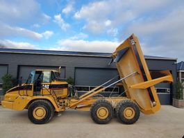 wheel dump truck Caterpillar 725 2004