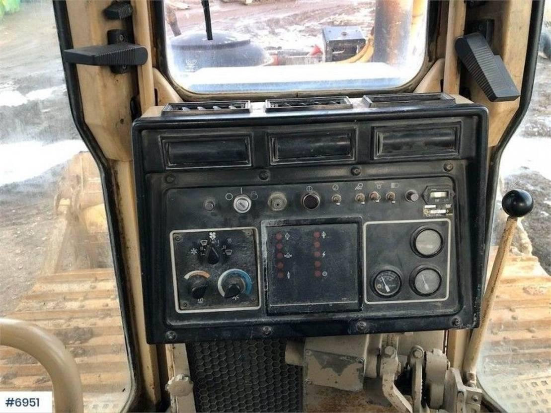 crawler dozer Caterpillar D6H bulldozer 1996