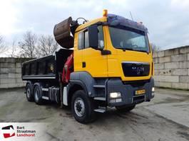 tipper truck > 7.5 t MAN TGS 28.400 6X4-4 BL kipper met Z-kraan 2010
