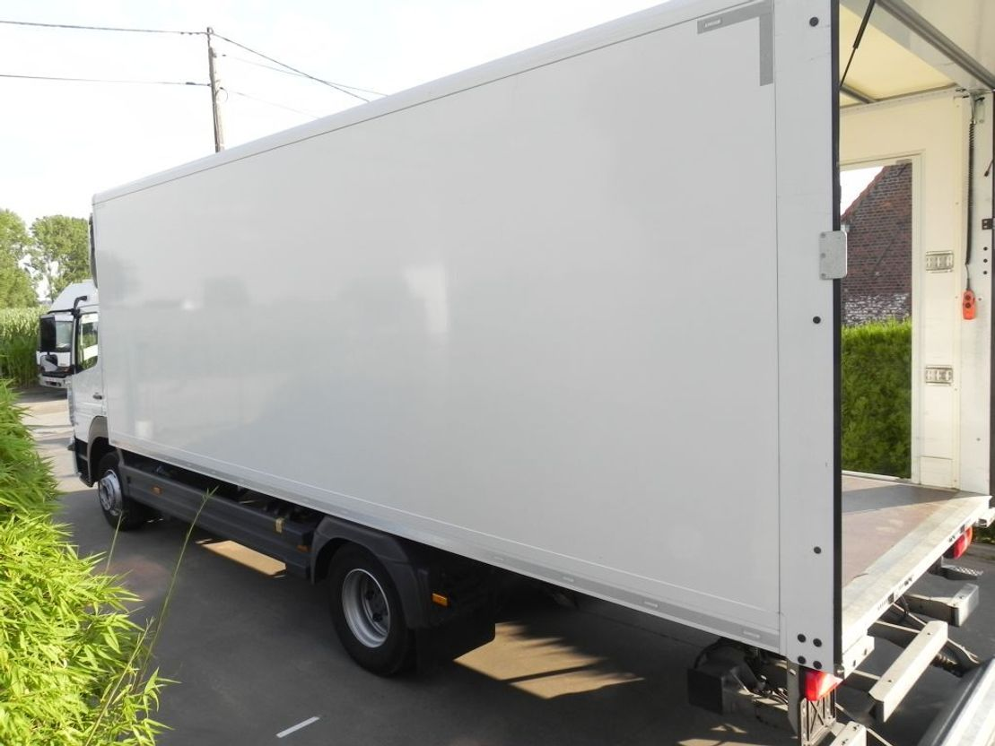closed box truck > 7.5 t Mercedes-Benz Atego 1221 L 2018