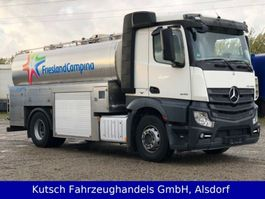 camion autocisterna Mercedes Benz 1845LL Actros Milch, HLW isoliert, TOP 2014