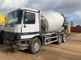 camion betoniera Mercedes Benz Actros 3331 Concrete Mixer 1999