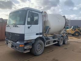 camion betoniera Mercedes Benz Actros 3331 Concrete Mixer