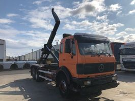 container truck Mercedes Benz 2235 1990