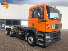 container truck MAN 26.460 6X4 Manual-fuelpomp (full steel) 2003
