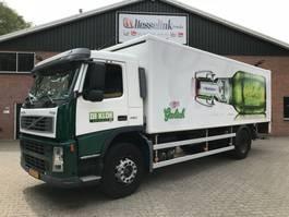 closed box truck > 7.5 t Volvo FM 9 260 4X2 Koffer + LBW 2.500 KG, 337.000 KM Original 2003