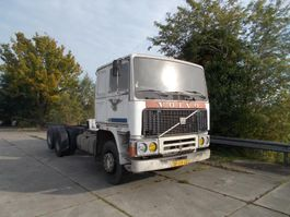 closed box truck > 7.5 t Volvo F12 1981