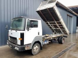 tipper truck > 7.5 t Nissan T135 1997