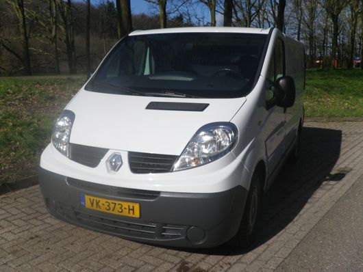 vcl cerrado Renault TRAFIC   GB 2.0dCi 90PK L1H1 2014