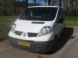 zavřené lehké užitkové vozidlo Renault TRAFIC   GB 2.0dCi 90PK L1H1 2014