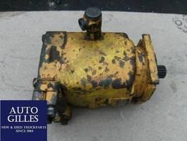 verschiedenes Anbaugerät Liebherr Hydraulikmotor Fahrantrieb LMF 90