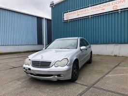 sedan car Mercedes Benz C-Klasse C200 CDI AUTOMATIC (AIRCONDITIONING) 2001