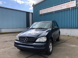suv car Mercedes Benz M-Klasse ML320 AUTOMATIC 4x4 (FULL LEATHER / AIRCONDITIONING / SUNROOF) 1998