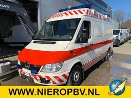 sanitní lehké užitkové vozidlo Mercedes Benz SPRINTER 316CDI AIRCO ambulance 4X OP VOORRAAD 2006