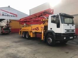 camion con pompa per calcestruzzo Iveco EUROTRAKKER 310 PUTZMEISTER BSF 36.14**13.000 Km** 2001