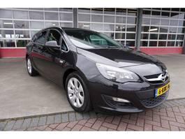 estate car Opel Astra Sports Tourer 1.7 CDTi Edition Airco/Navi 2013